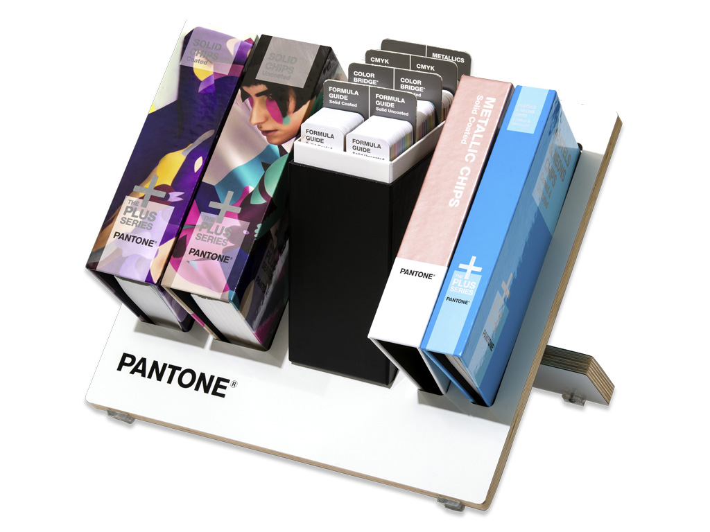PANTONE Reference Library im Tischdisplay