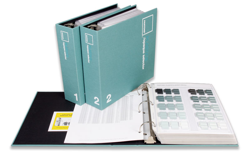 PANTONE Plastics opaque. 3 Ringbücher