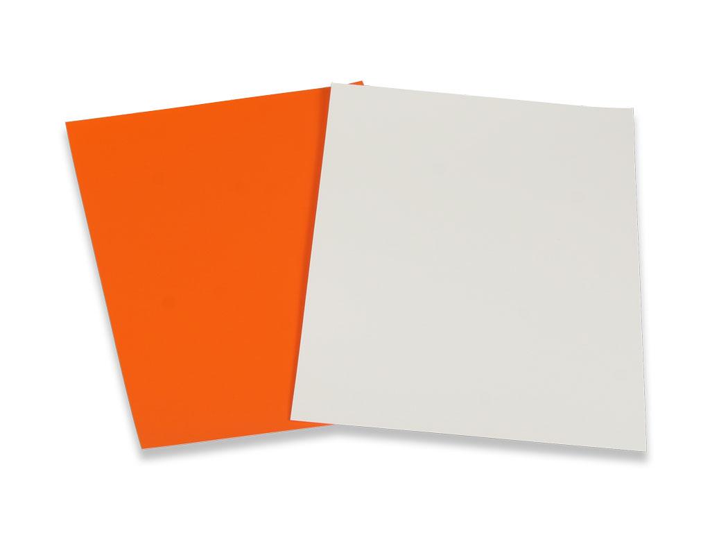 RAL Set mit den 2 neuen Farben der RAL Farbpalette